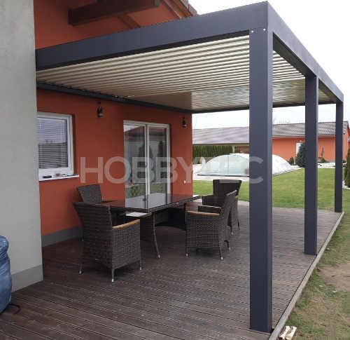 Bioklimatická pergola k domu variabilní velikost