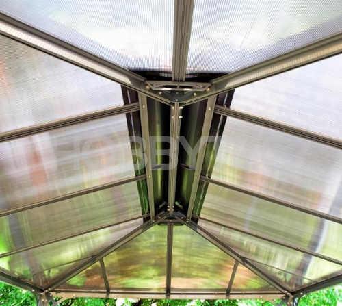 Kouřová polykarbonátová střecha zahradního altánu