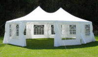 Velký svatební párty stan s ovalným půdorysem