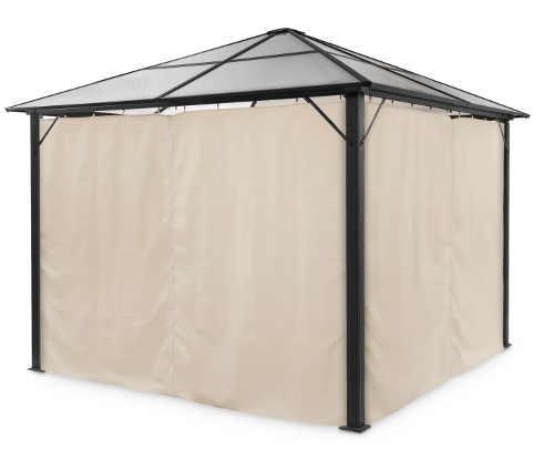 Zahradní altán s polykarbonátovou střechou a látkovými bočními stěnami