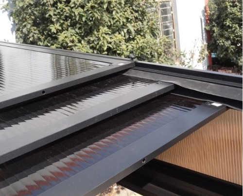 Bioklimatická pergola se zatahovací střechou