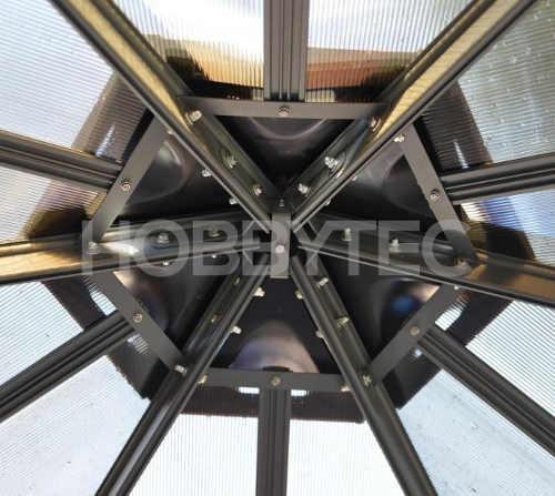 hlinikovy-altan-na-zahradu-s-polykarbonatovou-strechou