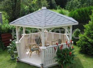 Dřevěný altán v šestiúhelníkovém tvaru